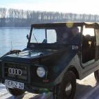mit dem Munga am Rhein